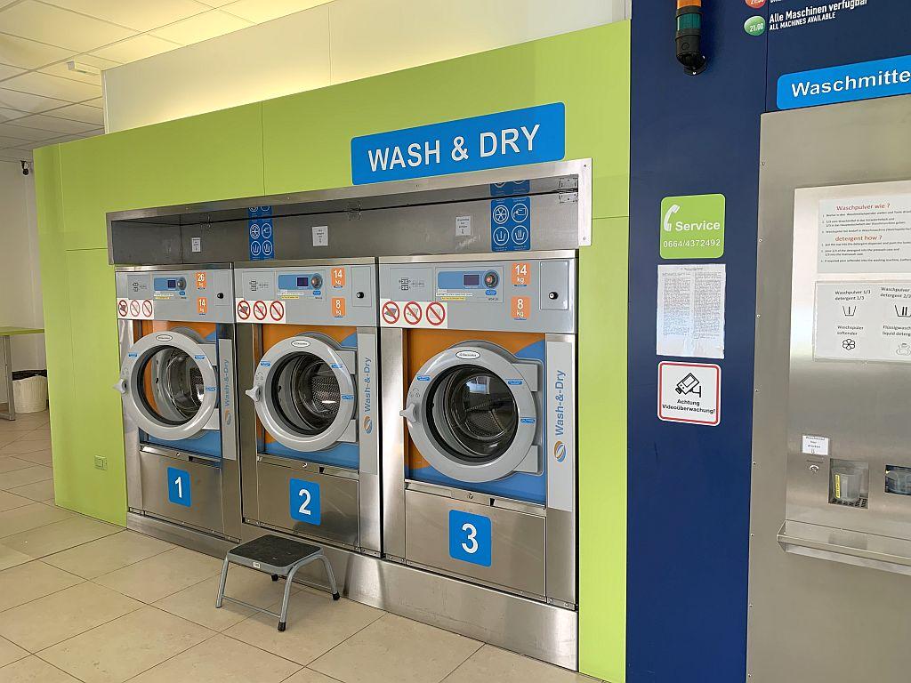 Laundromat Salzburg washer dryer